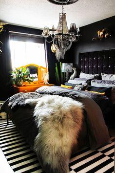 Fresh 5 star 3 bedroom apartment on this favorite site Glam Bedroom, Bedroom Apartment, Home Bedroom, Bedroom Ideas, Black Bedroom Decor, Black Master Bedroom, Black Bedroom Design, Bedroom Designs, Home Interior