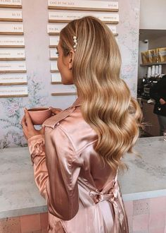 Mens Hairstyles Thin Hair, Formal Hairstyles For Long Hair, Side Bangs Hairstyles, Bride Hairstyles, Down Hairstyles, Hairstyles 2018, Glamorous Hairstyles, Hairstyle Ideas, Model Hairstyles