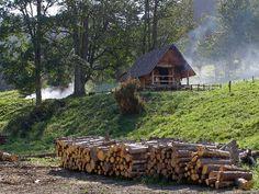'Holz+vor+der+Hütte'+von+Dirk+h.+Wendt+bei+artflakes.com+als+Poster+oder+Kunstdruck+$18.03