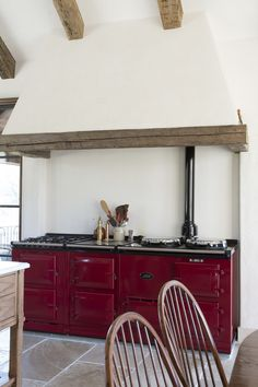 This four oven AGA cooker in deep red is in a class of it's own Kitchen Traditional by Sarah Blank Design Studio Decor, Kitchen Furniture, Aga Cooker, Aga Kitchen, Aga Stove, Red Kitchen, Small Apartment Kitchen Decor, Country Kitchen, Kitchen Design