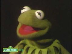 A song for a Saturday evening: It's not easy being green. I heart Kermit.