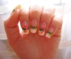 Nail Art or what we often call painting/drawing nails is a modern art that recently rampant among women. If we look at some beauty salons there are services nail art design so nails look more beaut… Yoko Nail Art, Nail Art Noel, Xmas Nails, Holiday Nails, Christmas Nails, Christmas Candy, Merry Christmas, Christmas Night, Christmas Fashion
