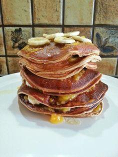 das ist mein heutiges #frühstück ... #Protein Schokolade Kokos Blaubeeren Pancakes mit Bananen und #Agavendicksaft. Der ganze Turm hat gerade mal 600 #Kalorien. Gesunde #Ernährung ist schmackhafter als die ganzen Zuckerbomben. Keine Ausreden beim #abnehmen #weightlossjourney #weightloss #foordporn #essen