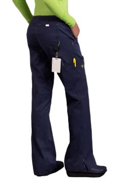 Med Couture scrubs GiGi scrub pants have added STRETCH and a sporty look. These stretch scrubs are made with ez flex fabric for added comfort and feature cargo pockets with elastic plus drawstring. Leg Scrub, Scrub Pants, Med Couture Scrubs, Wedding Dress Clothes, Best Uniforms, Medical Scrubs, Nursing Scrubs, Womens Scrubs