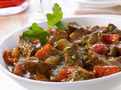Learn how to prepare this easy Pressure Cooker Hungarian Goulash recipe like a pro. With a total time of only 60 minutes, you'll have a delicious dinner ready before you know it. Crockpot Recipes, Healthy Recipes, Chicken Recipes, Beef Goulash, Yummy Food, Tasty, Eat Smarter, Pressure Cooker Recipes, Side Dish Recipes