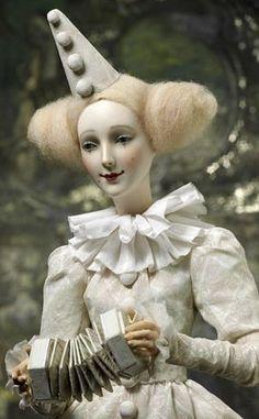 Alexandra Kukinova dolls
