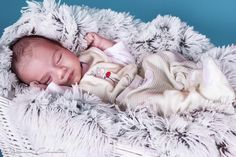 Another sleeping angel.. Babyboy /1 month old/  in studio..  #instakids #instanewborn #newbornphotography #newbornphotographer #newbornphoto #kidsphoto #blanket #basket #purelove #editorialphotography #babyphotographer #newbornsession #newbornposing #studioportrait #childrenphoto #babyboy #1monthsold #workingmom #sleepingbeauty #babysleeping #newbornsleep