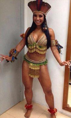 969718739 fantasia de índia brasileira de top e calcinha com penduricalhos