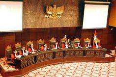 Partai Politik Indonesia: Tolak Tafsirkan Konstitusi , Ada Apa Dengan MK ......???