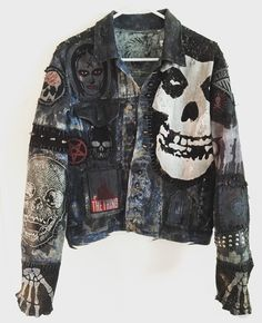 Dirty Denim Jacket from Chad Cherry Clothing. : Dirty Denim Jacket from Chad Cherry Clothing. Grunge Outfits, Punk Outfits, Trendy Outfits, Custom Clothes, Diy Clothes, Punk Jeans, Custom Denim Jackets, Punk Jackets, Jackets Fashion
