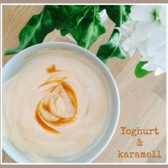 [MAT] FROKOST: Yoghurt med karamell (102 kcal) Icing, Desserts, Food, Caramel, Tailgate Desserts, Deserts, Meals, Dessert, Yemek