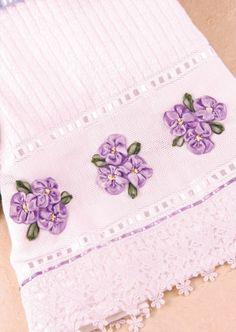 Blog Vitrine do Artesanato - Toalha com Violetinhas