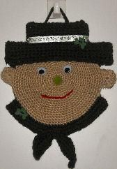 Leprechaun Door Hanger - free crochet pattern