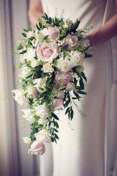 Bridal Bouquets - Joanna Carter Wedding Flowers | Oxford, Oxfordshire, Berkshire, Buckinghamshire and London.