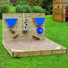 Hölzerne Sandwand im Freien Hölzerne Sa… Outdoor wooden sand wall Outdoor wooden sand wall Kids Outdoor Play, Outdoor Play Areas, Kids Play Area, Backyard For Kids, Natural Playground, Backyard Playground, Kids Sandbox, Sandbox Diy, Sand Pit