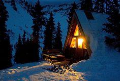 Perfect mountain retreat. Qui aimerait vivre dans ce beau chalet de montagne ??