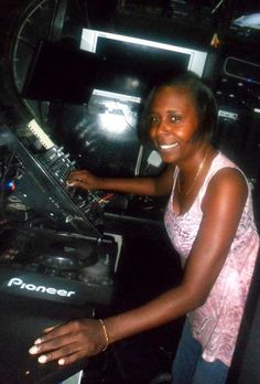Tuesdays 1pm-2pm  From Donna's first encounters with music mixing thanks to former neighbor legendary DJ & Promoter Don Welch (Sound Factory Bar/Underground  Network), Edwards was smitten with the idea of blending beats and rhythms to make people move! Encouraged by weekly family outings to Brooklyn's revered Empire Skating Rink, Donna was influenced by innovative talents like Tee Scott and DJ Big Bob who helped motivate her to spin.