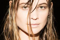 Behave Prinsloo for Alexander Wang Fall 2015.. #Runway #BTS #Beauty #AlexanderWang #Fall2015 #BehatiPrinsloo #MakeUp