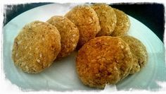 Spicy falafel from Chickpea Girl - 140 cals per 3 Spicy Falafel Recipe, Starters, Muffin, Vegetarian, Dishes, Breakfast, Recipes, Food, Morning Coffee