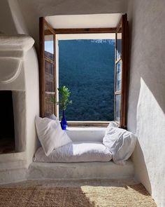 Living Room Designs, Living Spaces, Interior Decorating, Interior Design, Bay Window, Window Ledge, Window Seats, My New Room, Coin
