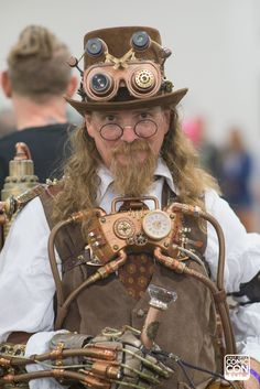 8ed5e71db51 Steampunk costume   cosplay at Salt Lake Comic Con 2016