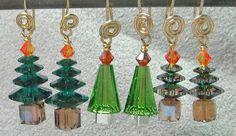 Christmas Tree Earrings - via @Craftsy