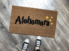 Nickel Designs Harry Potter themed custom doormats are the perfect way to create an inviting and clever entry way! Welcome guests to your home with a wizardly door mat. Nickel Designs creates clever wizard doormats to greet your guests, even muggles. Harry Potter Bedroom, Harry Potter Decor, Harry Potter Houses, Harry Potter Furniture Ideas, Halloween Front Door Decorations, Halloween Front Doors, Fall Decorations, Harry Potter Halloween, Harry Potter Christmas