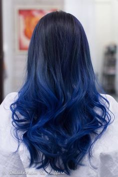 27 Coiffures Ombre Bleu Super Cool Laissez Blue Be The New You: 27 superbes coiffures bleues Sonate en argent sarcell Dark Ombre Hair, Blue Hair Balayage, Blue Hair Highlights, Dark Blue Hair Dye, Blue Hair Streaks, Black To Blue Ombre, Dark Balayage, Balayage Color, Dyed Hair