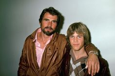 Josh Brolin with his father James Brolin Hollywood Actor, Hollywood Stars, Celebrity Dads, Celebrity Pictures, Josh Brolin Young, Best Supporting Actor, Star Children, Famous Stars, Family Affair