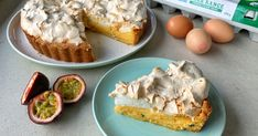 With a little twist on a classic this passionfruit meringue pie is a delicious dessert. Made with eggs, condensed milk, lemon and fresh passionfruit. Pie Recipes, Great Recipes, Passionfruit Tart, Short Pastry, Dry Rice, Pastry Shells, Meringue Pie, Condensed Milk, Delicious Desserts