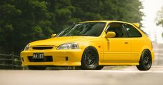 A car lift out JDM this yellow color weighs about power on the front wheel of 150 KW, The car is owned by Seth who look. Tuner Cars, Jdm Cars, Carros Honda, Honda V, Ek Hatch, Civic Eg, Eco Friendly Cars, Honda Civic Hatchback, Lifted Ford Trucks