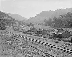 Houses along the railroad tracks. Fox Ridge Mining Company, Inc., Hanby Mine, Arjay, Bell County, Kentucky.