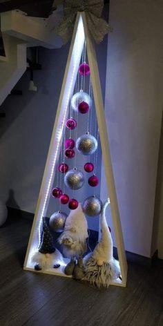 Woodland Christmas, Handmade Christmas Decorations, Diy Christmas Tree, Christmas Centerpieces, Xmas Decorations, Xmas Tree, Simple Christmas, Christmas Time, Christmas Ornaments