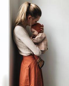 "8,012 mentions J'aime, 177 commentaires - tessa (@tessahop) sur Instagram : ""I am her safe place. Her favourite place. Her food. Her bed. Her teacher. Her love. I am her…"""