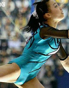 Gymnastics Pictures, Sport Gymnastics, Artistic Gymnastics, Gymnastics Leotards, Katharina Witt, Gymnastics Flexibility, Little Girl Dancing, Female Gymnast, Sporty Girls