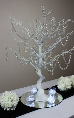 20 ideas for indian wedding theme stage decorations Tree Centerpieces, Wedding Centerpieces, Wedding Decorations, Shower Centerpieces, Diy Home Crafts, Christmas Crafts, Christmas Decorations, Holiday Decor, Stage Decorations