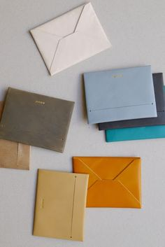 Anve : leather envelopes