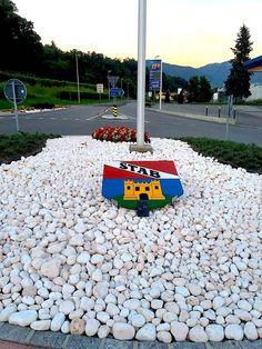 Het is overal, dus ook bij Goof & Jet in Stabio, ofwel in het uiterste puntje van Zwitserland! #hetisoveral #palmslag #poezie #ontheroad #zwitserland #italie