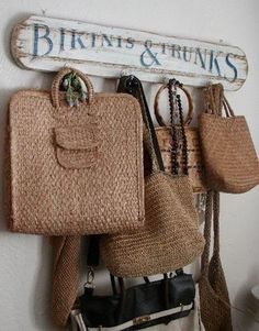 By the front door… basket bag borsa di paglia – 2019 - FASHION Sisal, Cottages By The Sea, Beach Cottages, Shabby Chic Chandelier, My Pool, Cute Signs, Shabby Chic Bedrooms, Basket Bag, Linen Bedding