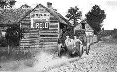 Pirelli sponzoruje motorismus od nepaměti...  http://www.pneumatiky.cz/Pneumatiky/pirelli