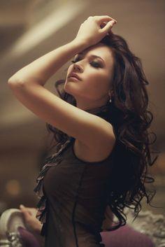 Loose curls - Dark Brown hair.