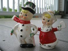 Vintage Christmas Napco Kids Salt Pepper Shakers Snowman Pixie A0202