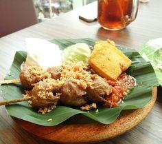 Bakso Goreng #food #instafood #foodporn #instagram #instagramers #kulinerjakarta #atriumplaza by @sandiharto - more recipes at www.tomcooks.com