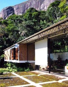 Casa Lota Macedo Soares, Samambaia. Arquiteto Sérgio Bernardes, 2004<br />Foto Monica Paciello  [Acervo Família Sérgio Bernardes]