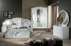 The Zaffiro range of Italian bedroom furniture is available in striking white and lustrous mahogany Classic Bedroom Furniture, Bed Furniture, Furniture Design, Bed Design, House Design, Bedroom Red, Luxury Homes Interior, Room Decor, Beds