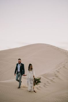 This Algondones Dunes wedding has major bohemian and dessert vibes. Let's Frolic Together photographed the magic, which includes alternative bouquets. Bohemian Wedding Inspiration, Engagement Photo Inspiration, Engagement Photos, Travel Inspiration, Elopement Inspiration, Photoshoot Inspiration, Fashion Inspiration, Wedding Photography Tips, Couple Photography