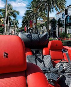 Red Royce and Louis morning everybody ❤️◼️ louisvuitton lv la beverlyhills rodeodrive RR rollsroyce palmtrees luxury Rich Lifestyle, Luxury Lifestyle, Lifestyle Fashion, Rolls Royce, Make Money Today, Billionaire Lifestyle, Louis Vuitton, Luxe Life, Shopping