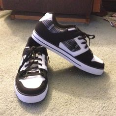 saleMen's DC's These shoes are in excellent condition only worn once. DC Shoes