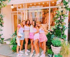 Cute Preppy Outfits, Preppy Girl, Preppy Style, Summer Outfits, Cute Friend Pictures, Best Friend Photos, Best Friend Goals, Family Pictures, Bff Pics