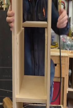 Wood Projects For Beginners, Beginner Woodworking Projects, Woodworking Joints, Wood Working For Beginners, Woodworking Techniques, Woodworking Crafts, Woodworking Plans, Cool Things To Build, Barn Wood Projects